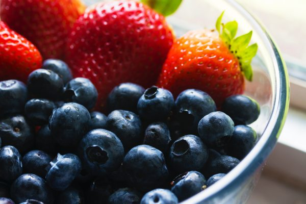 berries-blueberries-bowl-139751.jpg